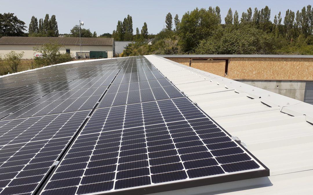 La centrale solaire de l'ABBEI  produit